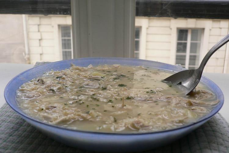 Soupe vietnamienne au poulet