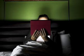 smartphones et tablettes cons quences sur le sommeil sant m decine. Black Bedroom Furniture Sets. Home Design Ideas