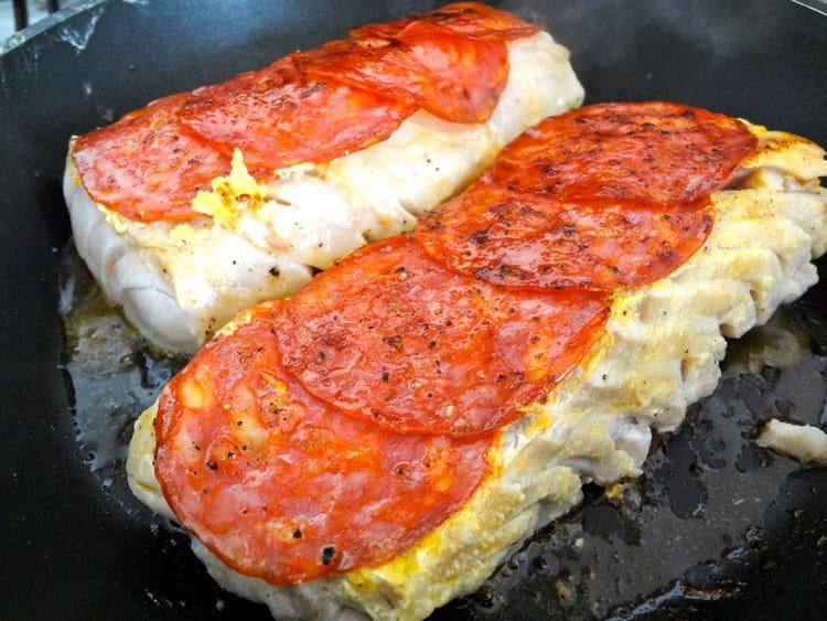 Recette de cabillaud saut au chorizo la recette facile - Cuisiner dos cabillaud ...