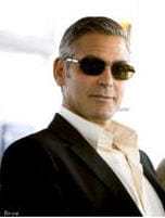 oui, clooney est aussi un homme riche et c'est souvent attirant, pas besoin de