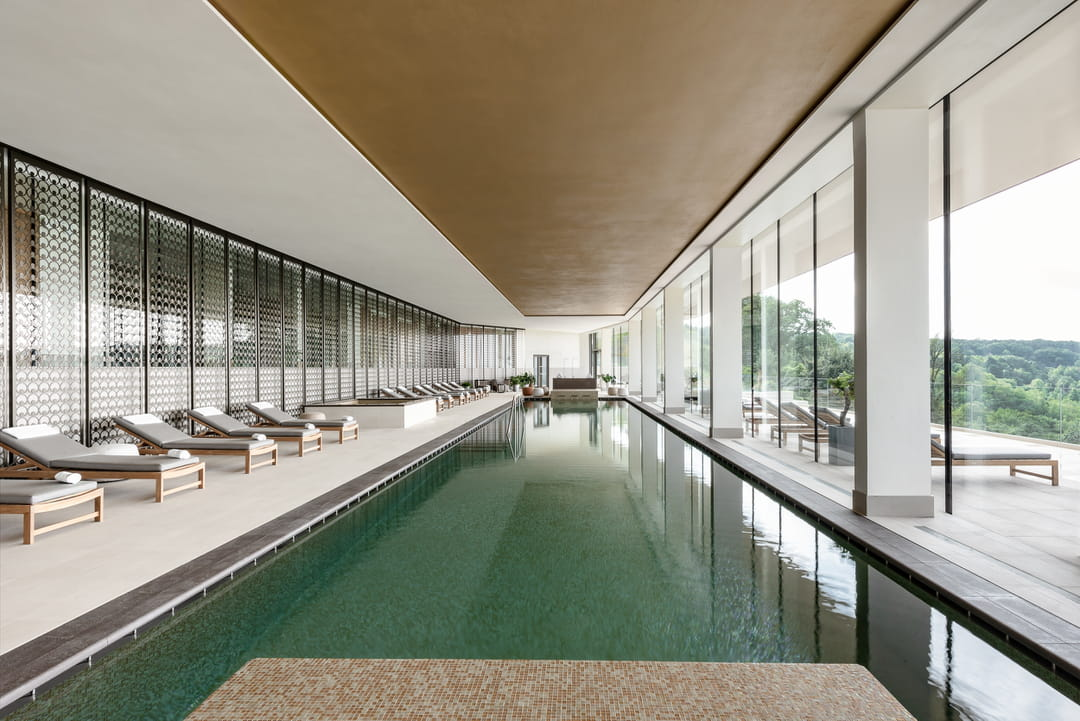 piscine-interieure-royal-champagne-2020