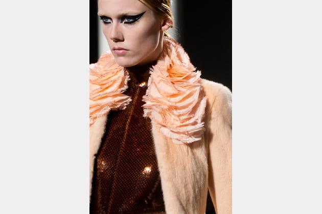 Fendi Couture (Close Up) - photo 26