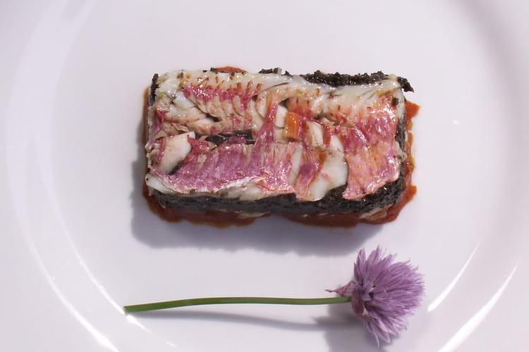 Millefeuille de rouget, purée d'olives noires