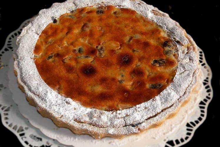 Tarte amandine, pommes, raisins secs, orange