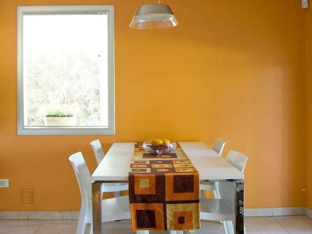 Mur jaune orangé