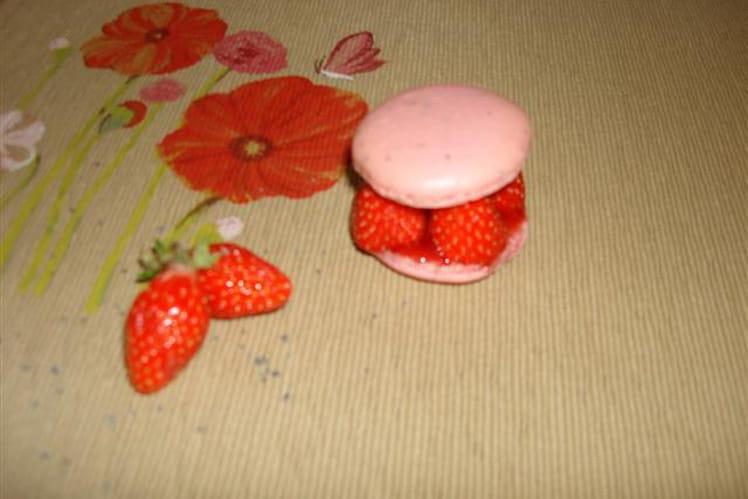 Macaron à la fraise au sirop de coquelicot