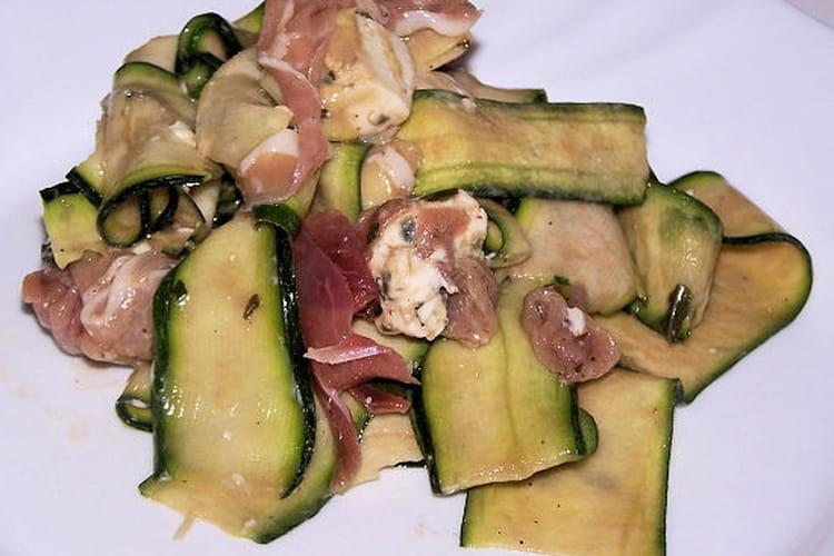 Tagliatelles de courgettes, fromage et jambon sec