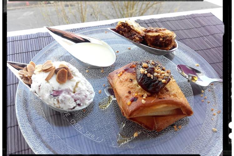 Crousti-figues pralin et sa glace au yaourt grec
