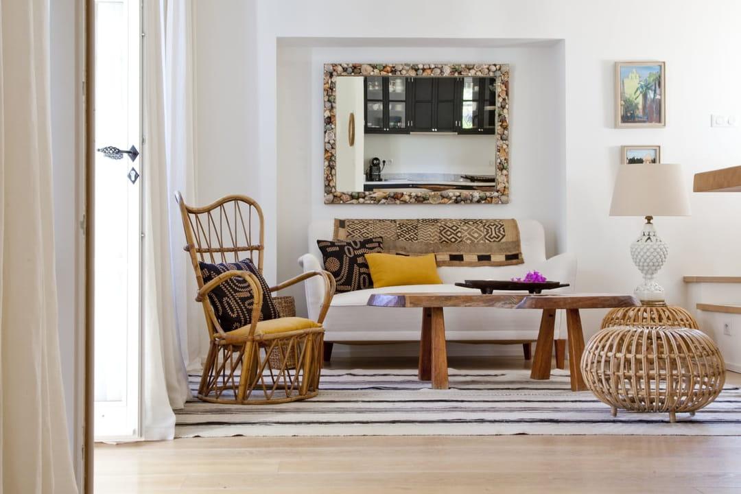 16 id es chic et pas ch res pour relooker son canap et le mettre en valeur. Black Bedroom Furniture Sets. Home Design Ideas