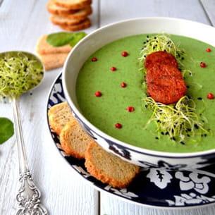 soupe au cresson & croustillants de chorizo