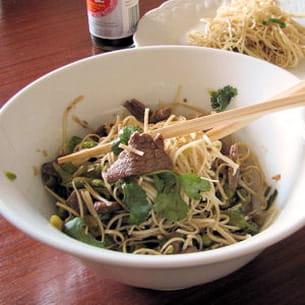nouilles chinoises sautées au boeuf