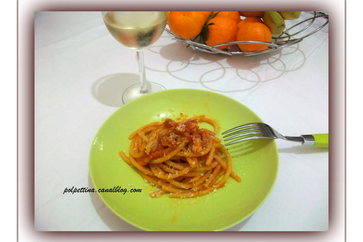 Pâtes bucatini all'amatriciana