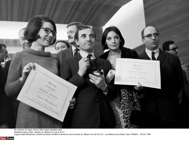 Avec Nana Mouskouri et Marie Laforet à la Maison de la radio, en 1964