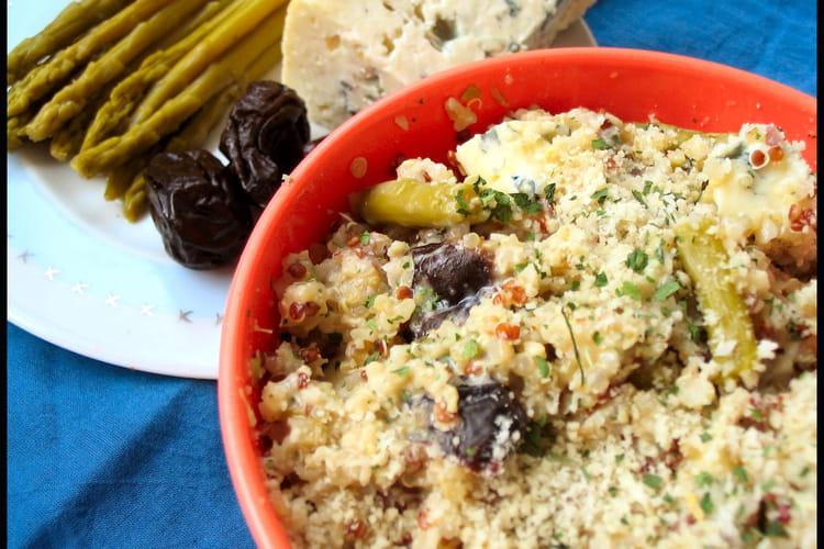 Quinoa aux asperges, pruneaux et fourme d'Ambert