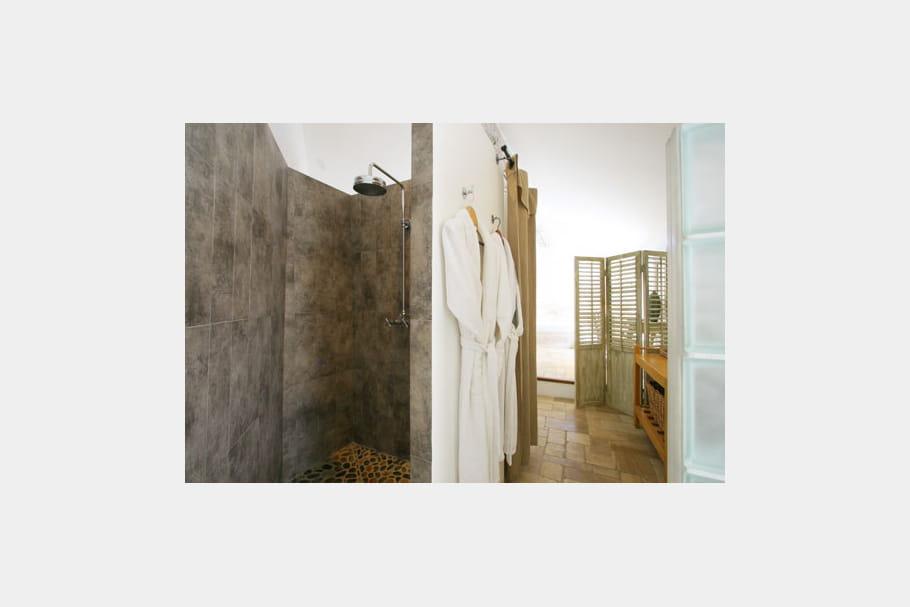 Fa on b ton douche l 39 italienne 55 id es pour l 39 am nager journ - Paravent douche italienne ...