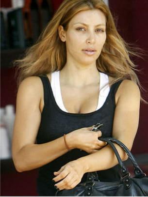 kim kardashian apparaît sans maquillage dans les rues de los angeles.