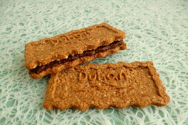 Biscuits son d'avoine noisette fourrés chocolat praliné