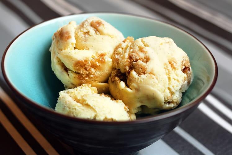 Glace Vanille et pâte de cookie caramel au beurre