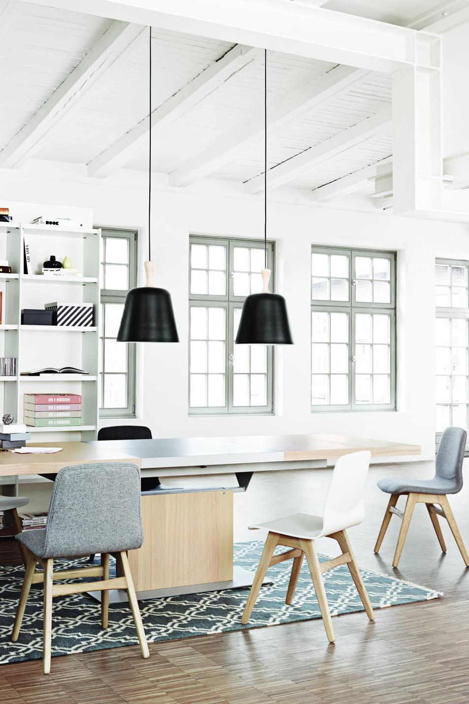 suspension handle en m tal noir de boconcept. Black Bedroom Furniture Sets. Home Design Ideas