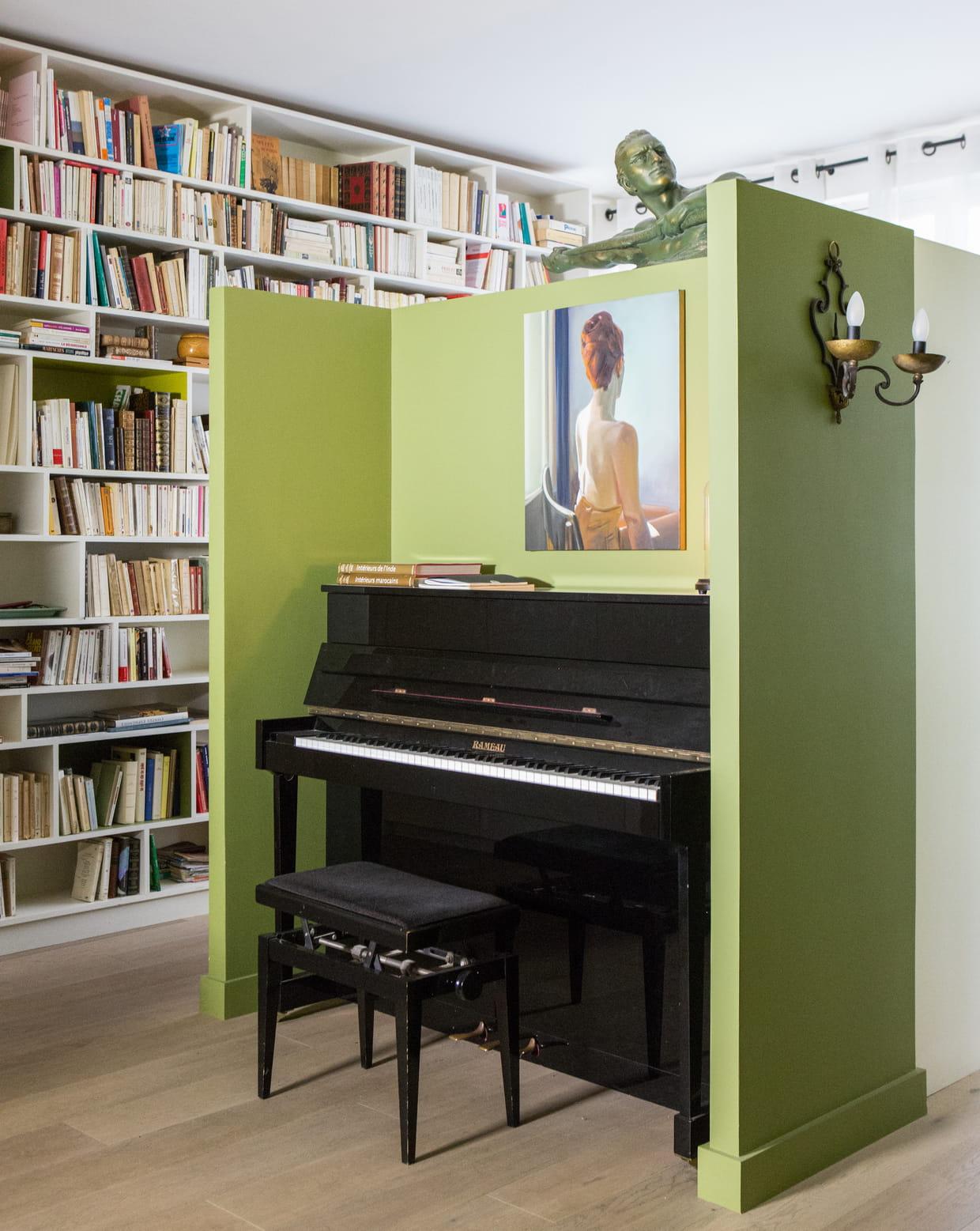 une alc ve musicale. Black Bedroom Furniture Sets. Home Design Ideas