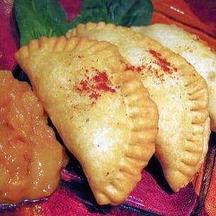 samossas à l'indienne et chutney de mangues