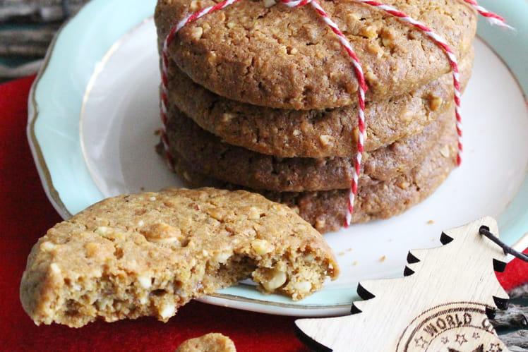 Cookies aux noisettes, éclats d'amandes et pépites de chocolat blanc