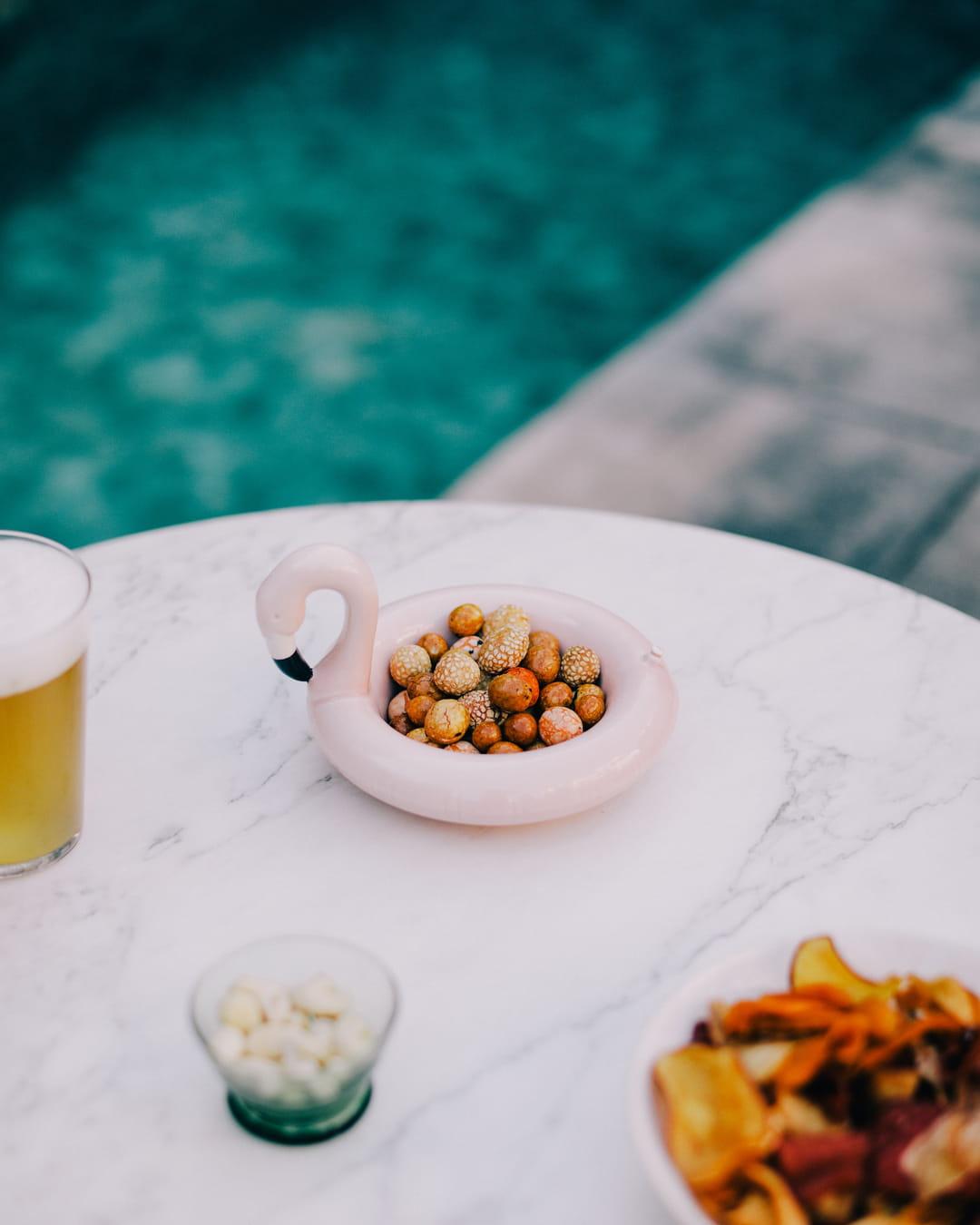 bol-aperitif-bouee-piscine