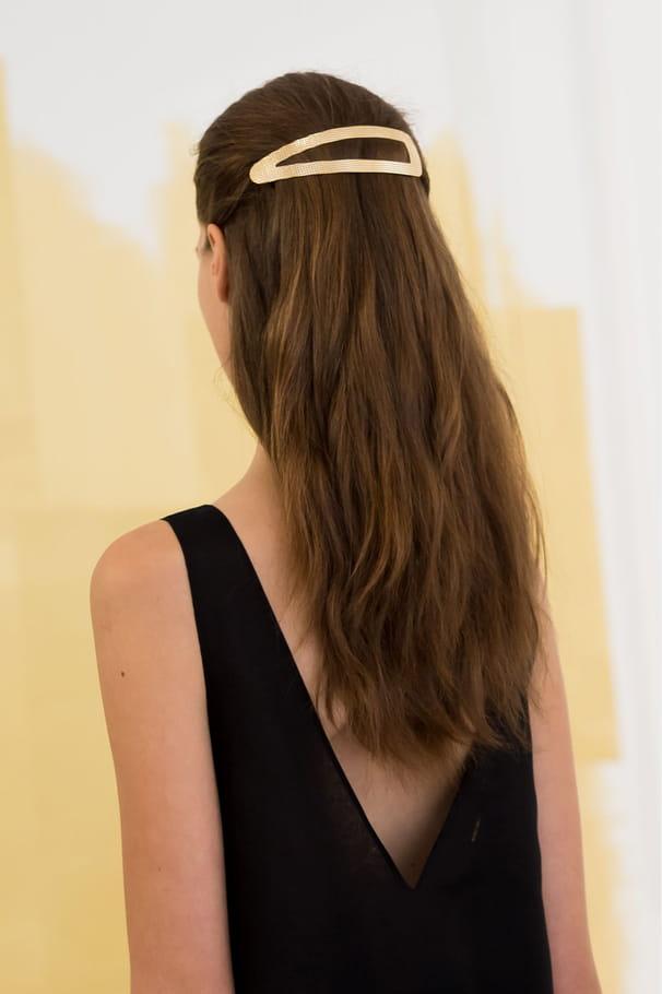 La barrette XXL du défilé Christian Dior