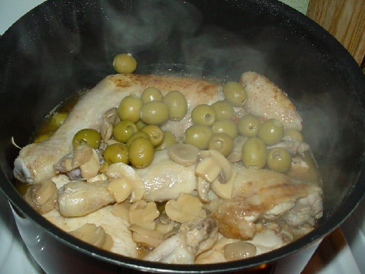 recette de poulet au citron olives et champignons de paris la recette facile. Black Bedroom Furniture Sets. Home Design Ideas