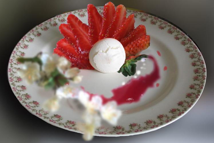 Vacherin glacé vanille/fraise