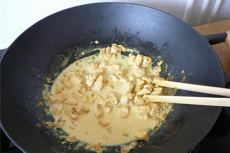 Wok de poulet curry-coco