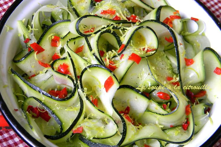 recette de tagliatelles de courgettes en salade la recette facile. Black Bedroom Furniture Sets. Home Design Ideas