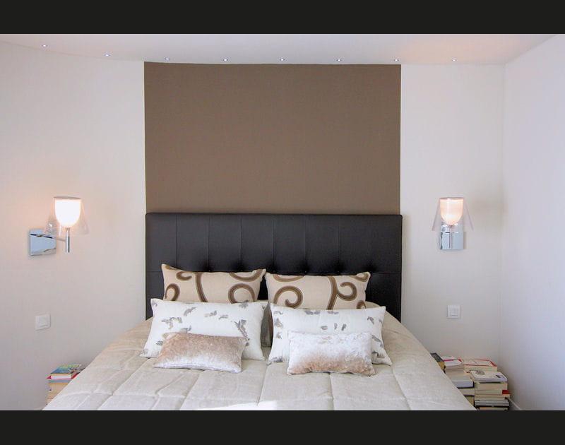 Un lit classe et cosy
