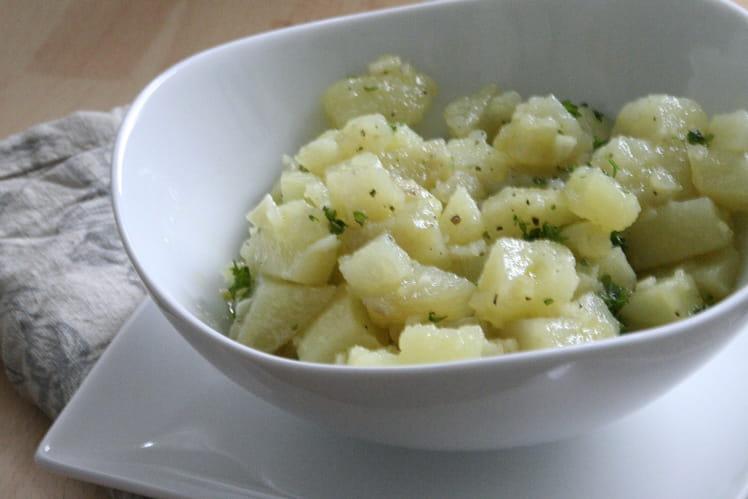 Pommes de terre marinées à l'ail