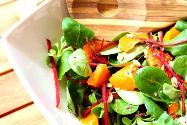 recette de salade de m che betterave et sa vinaigrette la recette facile. Black Bedroom Furniture Sets. Home Design Ideas