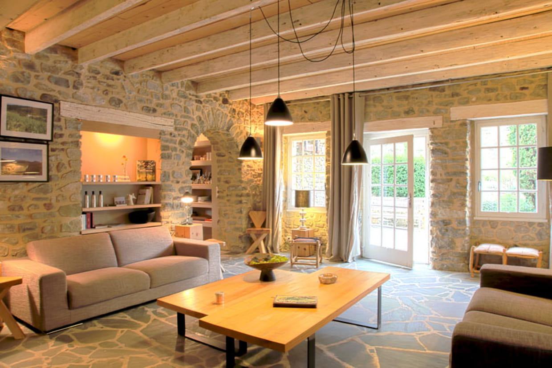 un salon cosy et lumineux. Black Bedroom Furniture Sets. Home Design Ideas