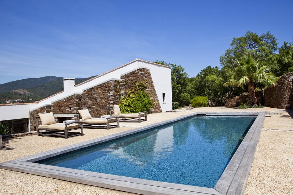 Une piscine en hauteur avec vue