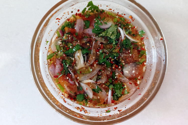 Sauce thaïe pour grillades : nahm jim jeow
