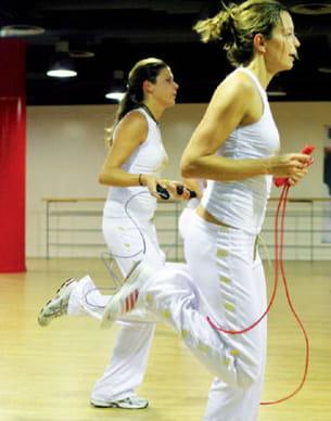 la corde à sauter, accessoire fondamental pour le jump fit