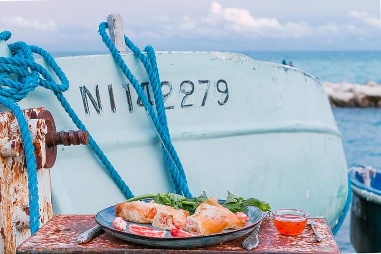 Samossa de crabe : julienne de céleri à la citronnelle, crabe des neiges