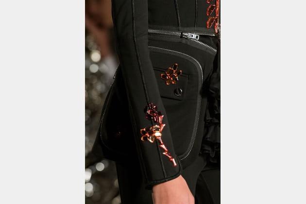 Givenchy (Close Up) - photo 56