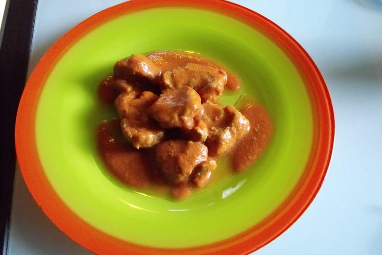 Filet mignon à la tomate, lait de coco et gingembre
