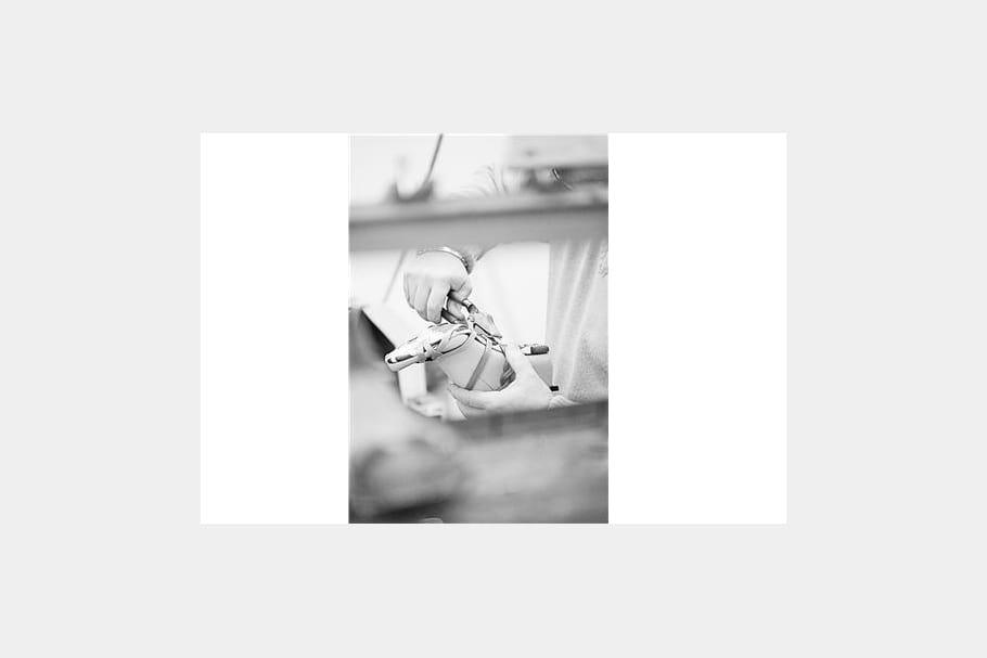 Les étapes de fabrication d'un souliers Dior