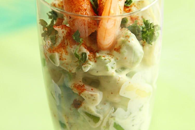 Avocat aux crevettes et sauce mayonnaise