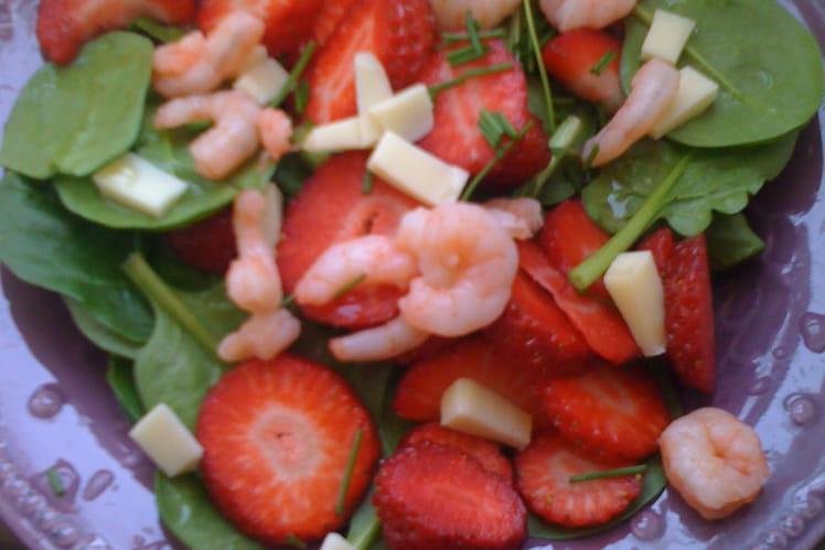 Fraises en salade rose sucrée-salée
