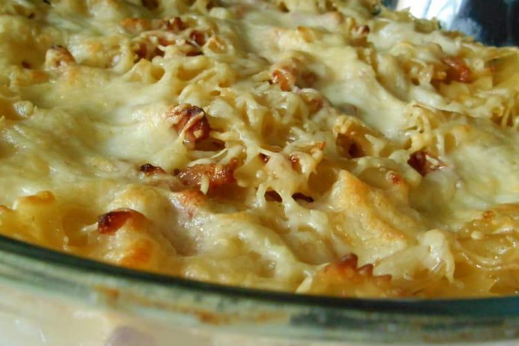 Gratin de pâtes aux lardons et mozzarella