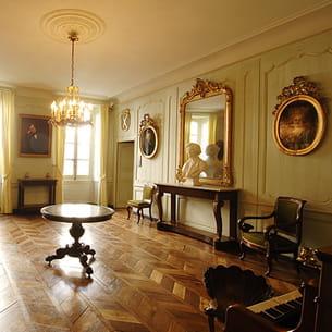 le grand salon du musée hector-berlioz.