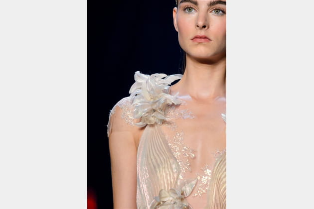 Marchesa (Close Up) - photo 29