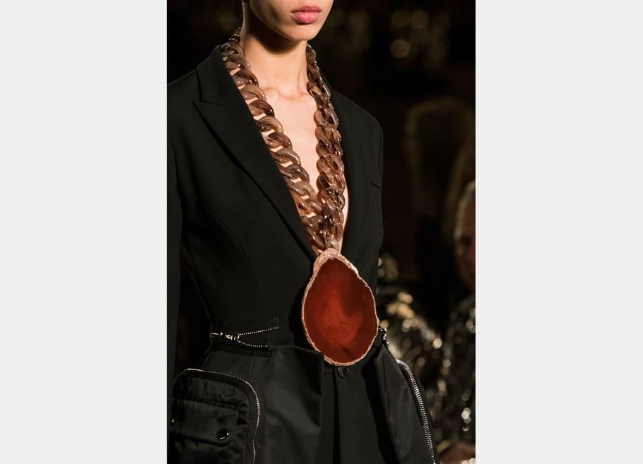 Givenchy (Close Up) - photo 7