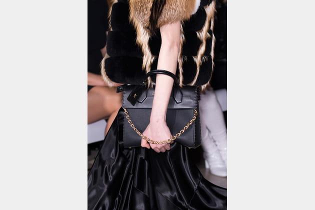 Louis Vuitton (Close Up) - photo 18